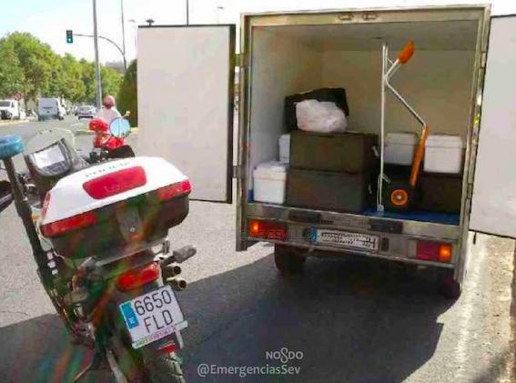 AionSur policia-frio Interceptada una furgoneta que llevaba comida a residencias, colegios y guarderías sin cadena de frío Salud Sevilla Sucesos
