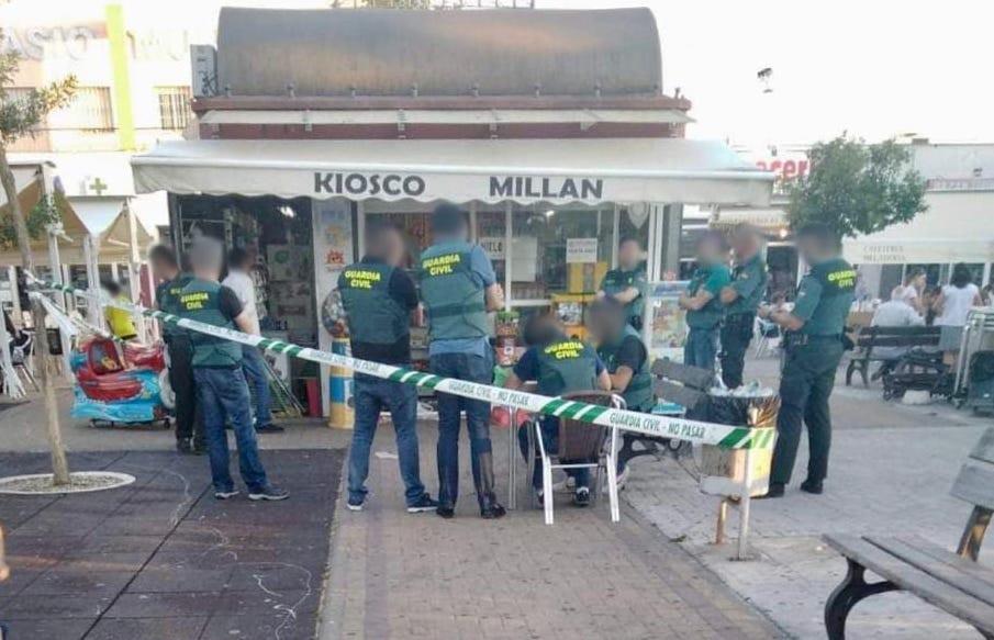 AionSur quiosco-cocaina-espartinas Detenido un quiosquero de Espartinas que vendía cocaína en una plaza pública Provincia Sucesos