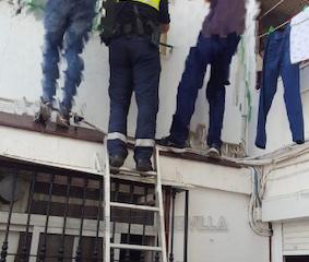AionSur rescate-sevilla-283x240 Rescatan a un bebé de nueve meses encerrado en su casa de Sevilla Sevilla Sucesos