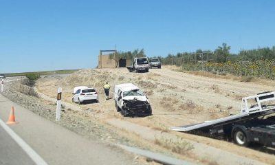 AionSur Accidente-Gerena-2-400x240 Tres heridos por un choque frontal en Gerena Sucesos