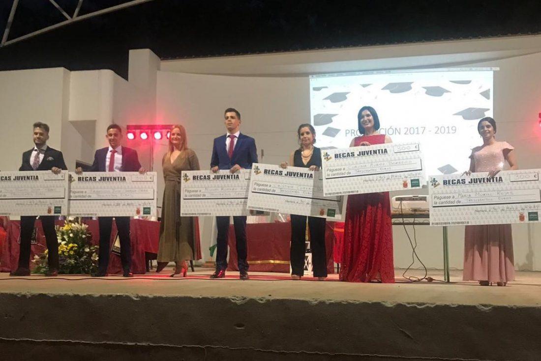 AionSur Herrera-estudiantes Herrera premia con becas a sus mejores estudiantes Educación Herrera