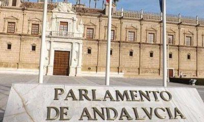 AionSur Parlamento-Andalucía-400x240 Podemos e IU despiden a 15 trabajadores de Adelante Andalucía en el Parlamento Política