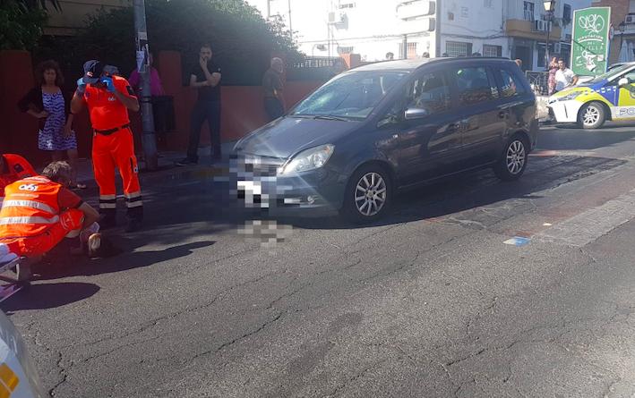 AionSur atropello-accidente- Heridos un matrimonio y su bebé atropellados en San Juan de Aznalfarache Provincia Sucesos