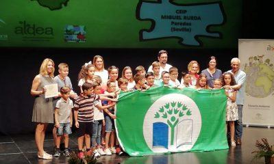 """AionSur colegio-Paradas-400x240 Un colegio de Paradas recibe el Galardón Internacional """"Bandera Verde Ecoescuelas"""" Educación Paradas Sociedad  destacado"""