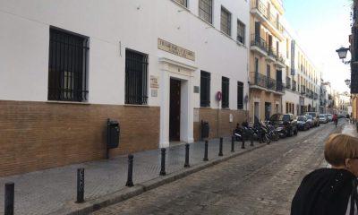 AionSur colegio-Sevilla-400x240 Consiguen plaza en un colegio para su nieto tras dormir dos noches en su puerta Sevilla Sociedad