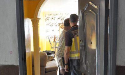 AionSur policia-detenido-400x240 Detenidos siete narcos en Sevilla por el asesinato de un hombre en Dos Hermanas Dos Hermanas Sevilla Sucesos
