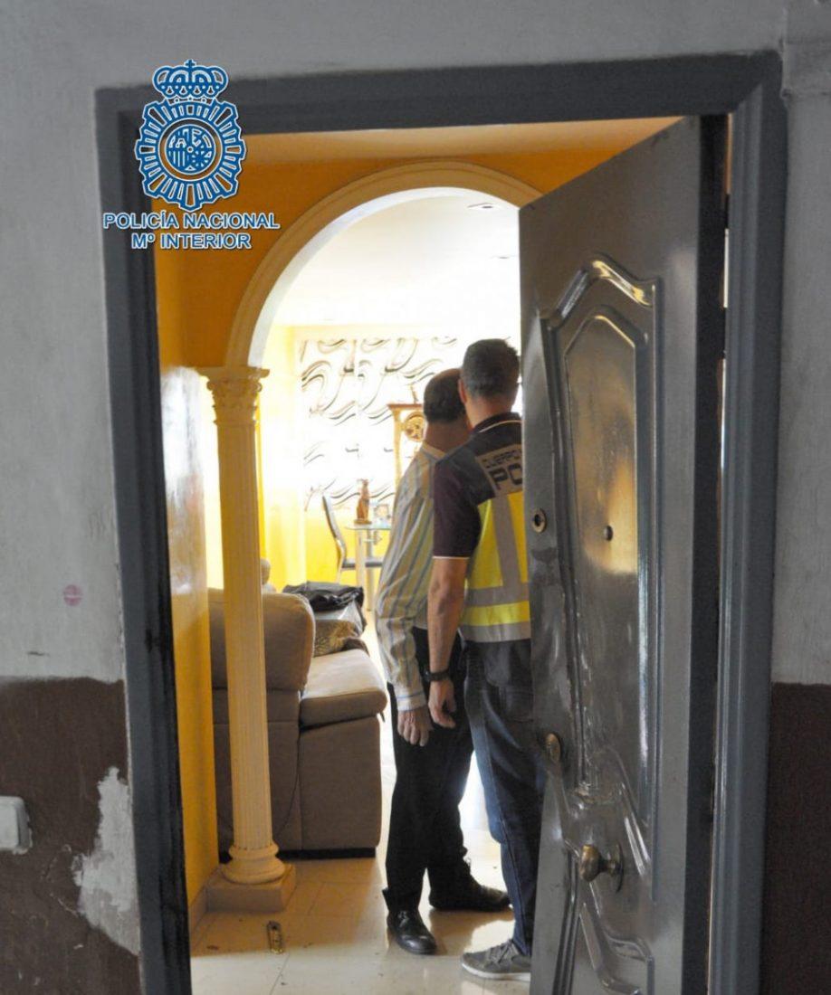 AionSur policia-detenido Detenidos siete narcos en Sevilla por el asesinato de un hombre en Dos Hermanas Dos Hermanas Sevilla Sucesos