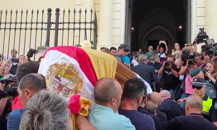 AionSur reyes-entierro La familia de Reyes agradece el apoyo recibido tras su fallecimiento Fútbol Sucesos Utrera