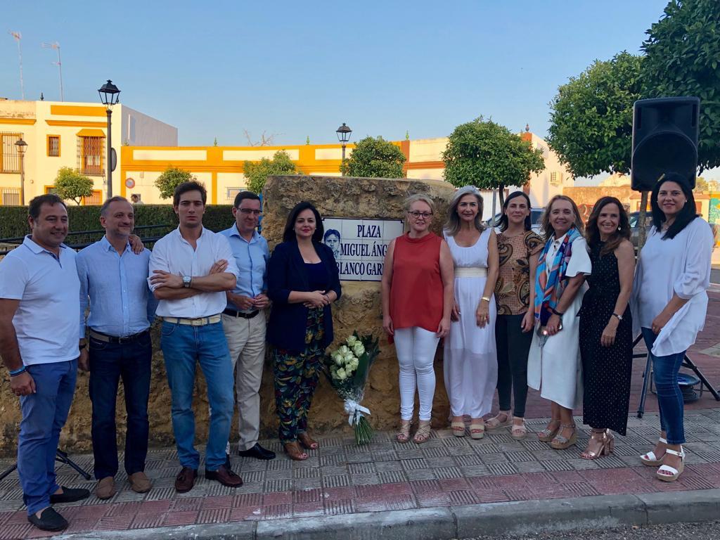 AionSur Foto-Homenaje-M-A-Blanco-compressor Virginia Pérez (PP) homenajea en Alcalá a Miguel Ángel Blanco, asesinado por ETA hace 22 años Política Sociedad