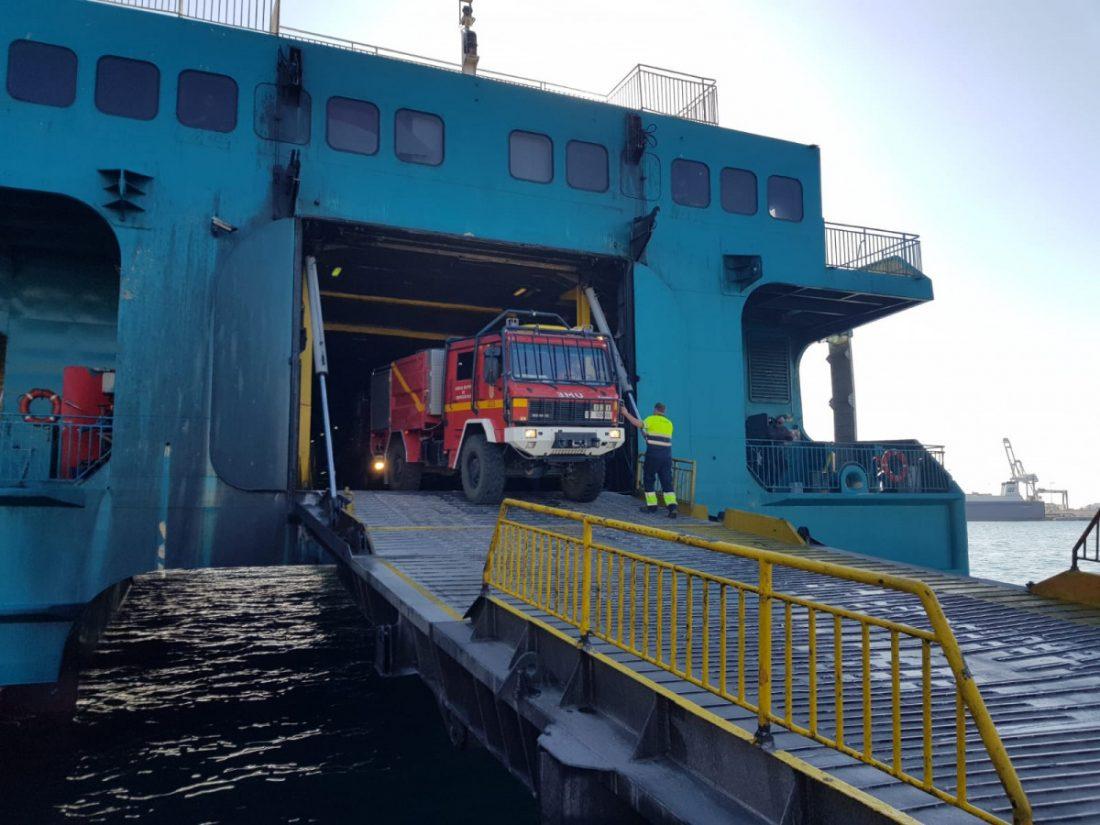 AionSur UMe-camion La UME moviliza desde la base de Morón sus medios para luchar contra el incendio de Ceuta Incendios Forestales Sucesos