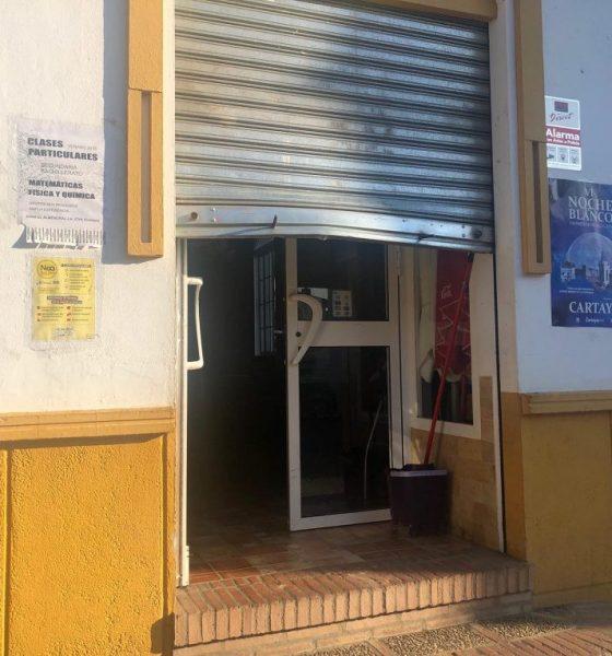 AionSur bar-asaltado-560x600 Entra a robar de madrugada en un bar y se deja el móvil dentro Huelva Sucesos  destacado