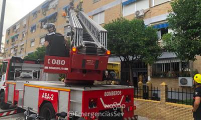 AionSur bomberos-sevilla-400x240 Rescatan a una anciana que se cayó en su casa y se rompió la cadera Sevilla Sucesos