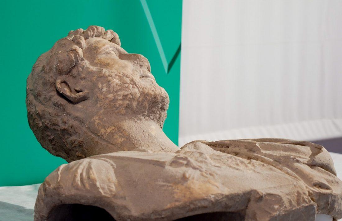 AionSur busto-adriano Recogen firmas para pedir que el busto de Adriano sea expuesto en Écija Cultura Ecija
