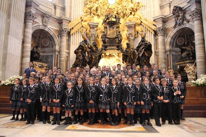 AionSur coro Los niños de un colegio sevillano cantan ante el Papa en el Vaticano Cultura Sociedad  destacado