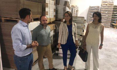 """AionSur: Noticias de Sevilla, sus Comarcas y Andalucía delegada-agricultura-400x240 La Junta, a los productores de aceite: """"Primero hay que negociar, trabajar, y luego manifestarse"""" Agricultura Arahal"""