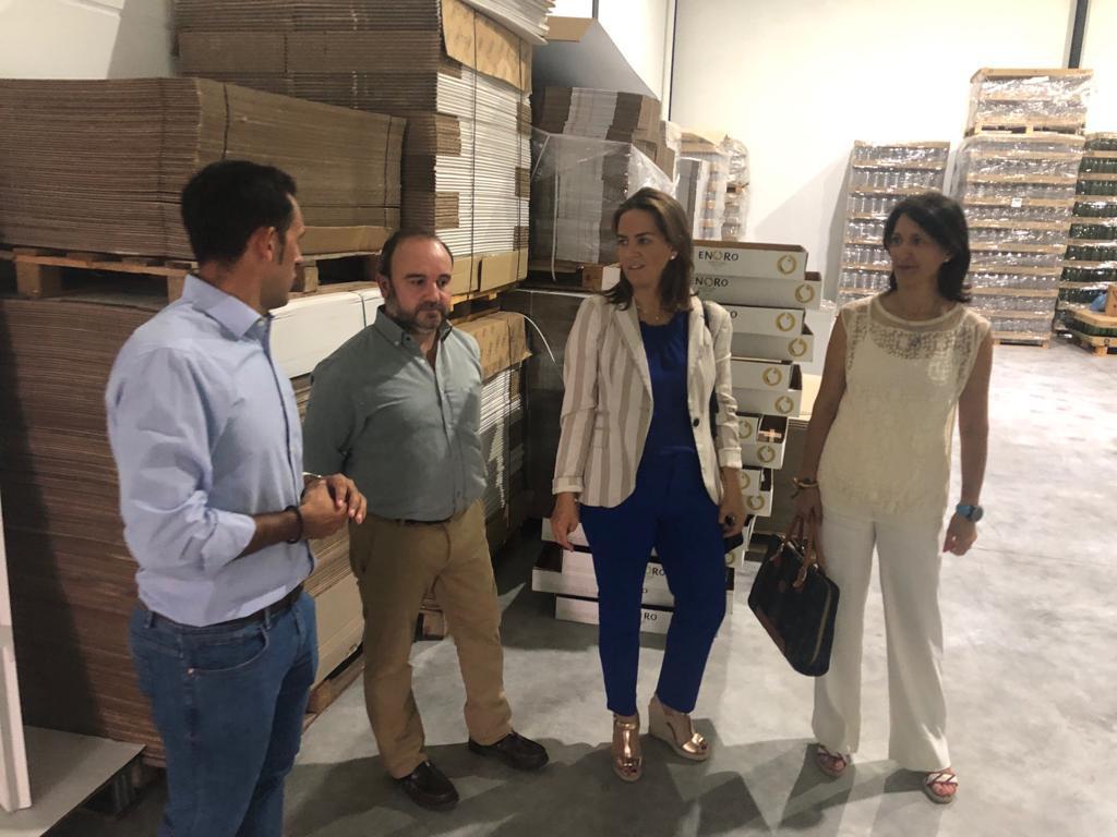 """AionSur delegada-agricultura La Junta, a los productores de aceite: """"Primero hay que negociar, trabajar, y luego manifestarse"""" Agricultura Arahal"""