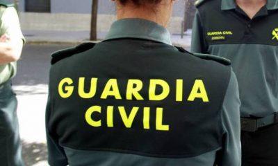 AionSur guardia-civil-mujer-400x240 Detenido durante el desalojo de una fiesta en Utrera en la que participaban más de cien personas Sucesos Utrera