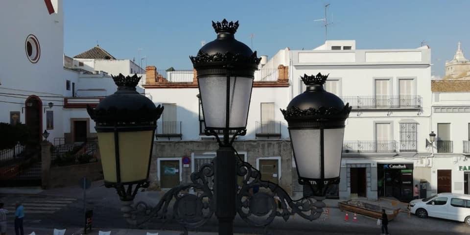 AionSur marchena-luces-led-sustitución Instaladas lámparas LED en las farolas de la plaza del Ayuntamiento de Marchena Marchena