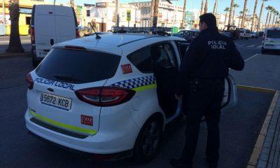 AionSur policia-lepe-400x240 Deja morir a su perro tras seis días al sol sin agua ni comida Huelva Sucesos  destacado