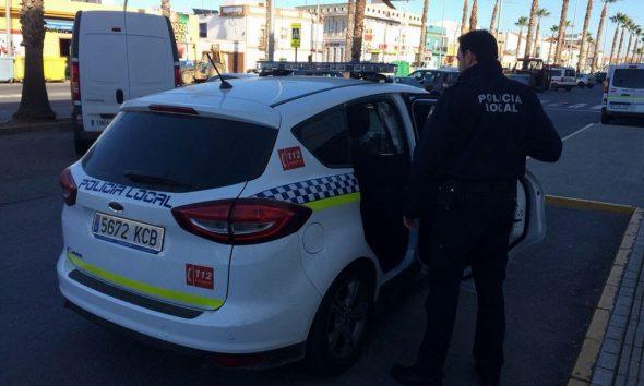 AionSur policia-lepe-590x354 Deja morir a su perro tras seis días al sol sin agua ni comida Huelva Sucesos  destacado