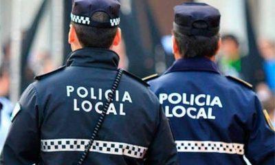 AionSur policia-local-400x240 Detenida una mujer en Punta Umbría tras agredir a su novio en plena calle Huelva Sucesos Violencia Machista