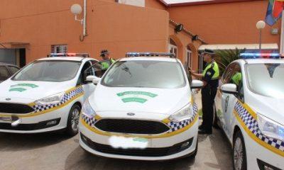 AionSur policia-local-de-alcala-400x240 Detenido en Alcalá un conductor por chocar con varias señales de tráfico y agredir a un agente Alcalá de Guadaíra Sucesos