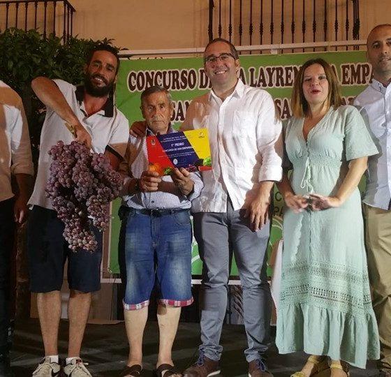 AionSur racimo-560x540 Baten el récord del mundo de racimos de uvas en Los Palacios, con una pieza de más de 10 kilos Agricultura Los Palacios  destacado