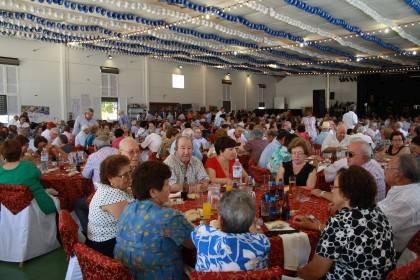 AionSur Almuerzo_Mayores_2012_1_x Se reparten el viernes 30 las invitaciones para el almuerzo homenaje a mayor en la Feria de Arahal Feria del Verdeo