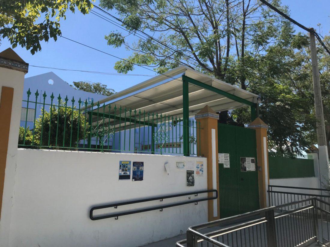 AionSur IMG-2101-compressor Terminada la obra de la pasarela de entrada al centro escolar de Infantil de La Fuente en Arahal Arahal Educación