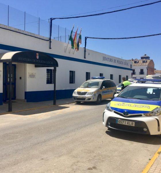 AionSur Policia-Puebla-cazalla-560x600 Muere un hombre de 50 años herido por arma de fuego en La Puebla de Cazalla La Puebla de Cazalla Sucesos  destacado