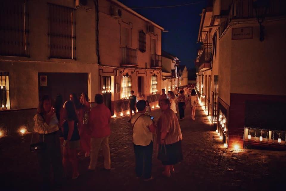 AionSur Velas-Gerena-2 Centenares de velas iluminan la noche de Gerena para celebrar el día de La Soledad Gerena Sociedad