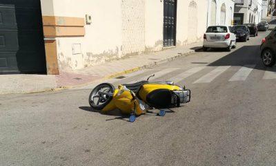 AionSur accidente-moto-Arahal-400x240 Herido un motorista en un accidente en Arahal Arahal Sucesos