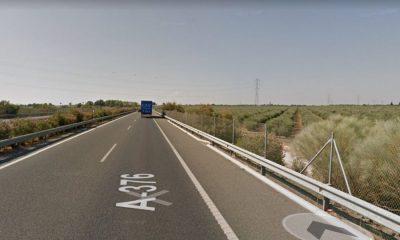 AionSur carretera-compressor-400x240 Un fallecido en Alcalá de Guadaíra que conducía una furgoneta robada Alcalá de Guadaíra Sucesos  destacado