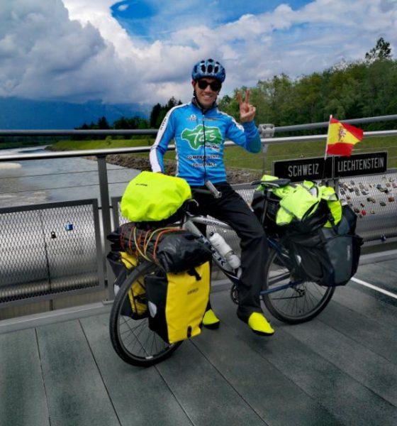 AionSur chico-ciclista-arahal-560x600 La hazaña de un arahalense: más de 8.000 kilómetros en bici por 13 países europeos Arahal Deportes  destacado