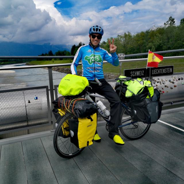AionSur chico-ciclista-arahal La hazaña de un arahalense: más de 8.000 kilómetros en bici por 13 países europeos Arahal Deportes  destacado