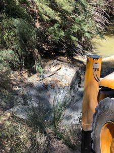 AionSur coche-moron-2-225x300 La sequía deja al descubierto un coche robado el año pasado en Marchena Morón de la Frontera Sucesos