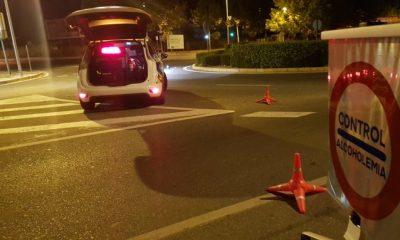AionSur policia-Castilleja-400x240 Un vecino de Camas da positivo dos veces por alcoholemia la misma noche Castilleja de la Cuesta Sucesos