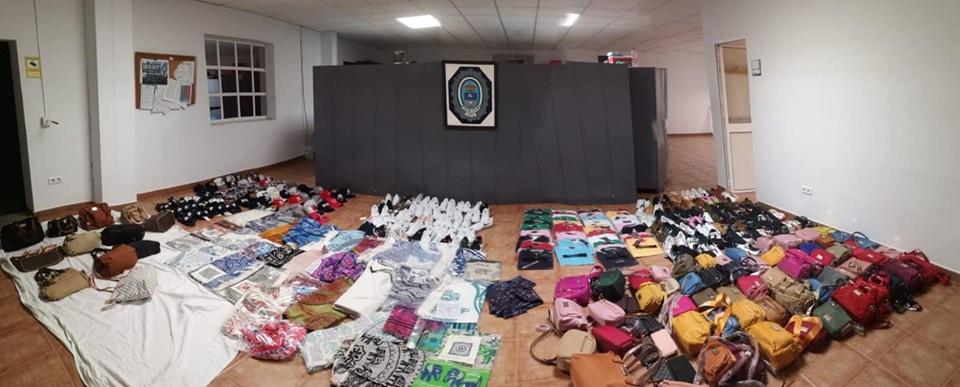 AionSur policia-lepe Imputadas dos mujeres por decir en Facebook que la Policía se queda con la ropa decomisada Huelva Sucesos