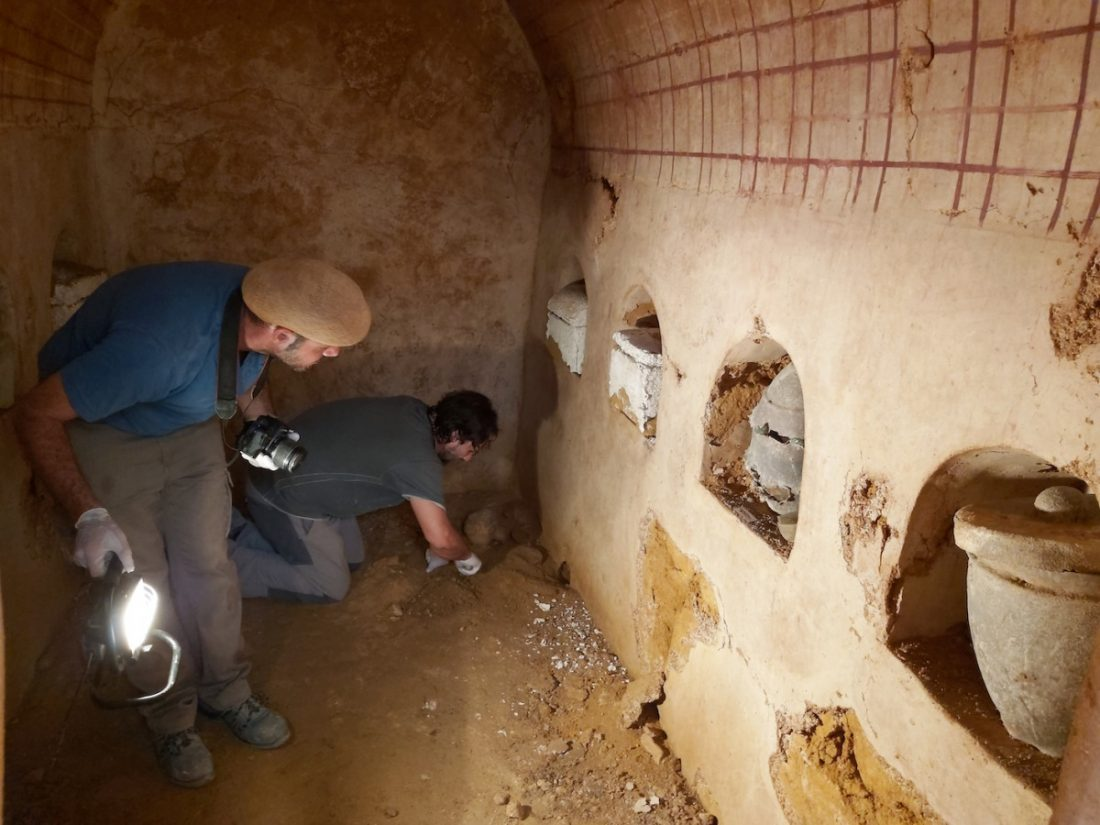 "AionSur tumba-romana-1-Carmona La cámara funeraria hallada en Carmona ""revelará datos muy interesantes"" Carmona Sociedad"