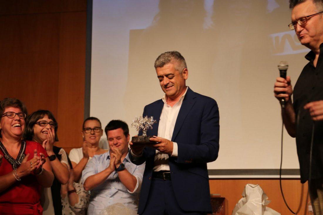 AionSur: Noticias de Sevilla, sus Comarcas y Andalucía 70574426_588248138378485_7404924982997811200_o-compressor El libro 'Expresiones', homenaje a la diversidad Análisis Arahal destacado
