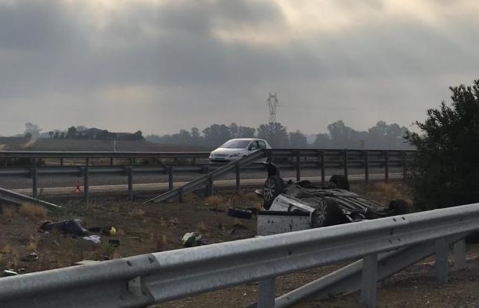 AionSur Accidente-Salteras Un herido grave al volcar su coche en la A-66 a la altura de Salteras Sevilla Sucesos