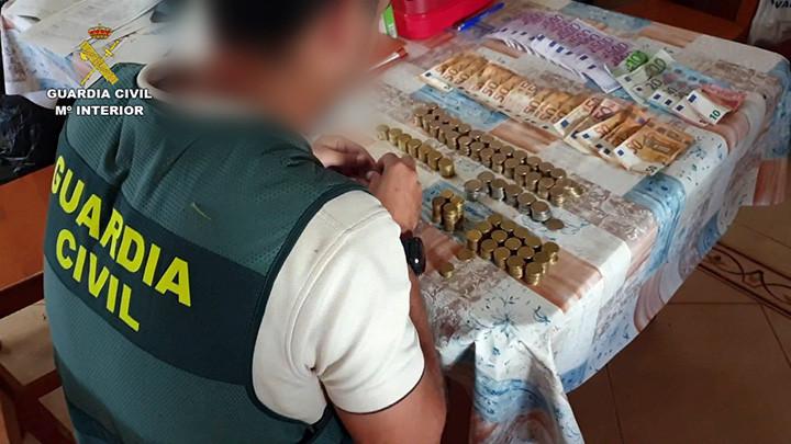 AionSur Drogas-Los-Palacios Detenido un matrimonio por vender drogas en Los Palacios Los Palacios Narcotráfico Sucesos