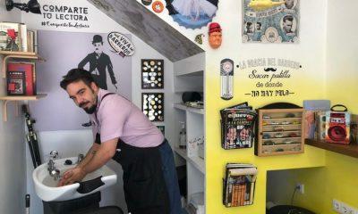 AionSur IMG_5936-compressor-400x240 Un rincón de lectura para una barbería con nombre propio: La Razón Arahal Sociedad  destacado