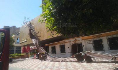 AionSur andamio-400x240 Dos heridos al caerse los andamios de una obra en un hotel de Nervión Sevilla Sucesos