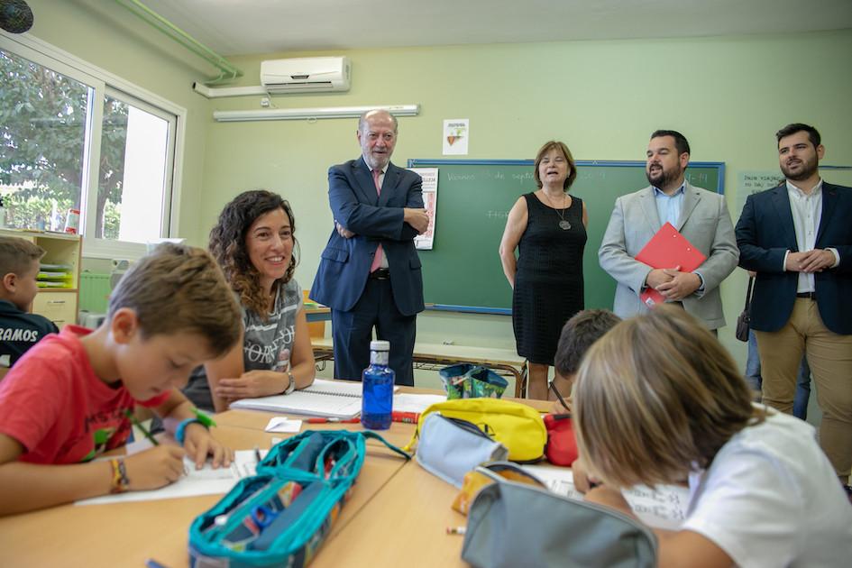 AionSur colegios-gines-diputacion La Diputación señala su trabajo en climatización de colegios Provincia Sociedad