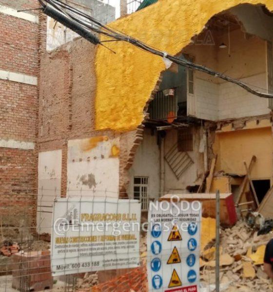 AionSur derrumbe-Sevilla-560x600 Varios desalojados en Sevilla tras derrumbarse el muro de una vivienda Sevilla Sucesos