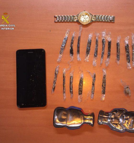 AionSur drogas-guardia-civil-560x600 Desmantelado un punto de venta de drogas en la feria de Utrera Sucesos Utrera  destacado