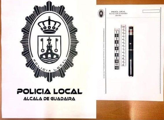 AionSur puntero-láser-policía-compressor Intervenido en Alcalá un puntero láser con el que unos jóvenes deslumbraban a vehículos Alcalá de Guadaíra Sucesos
