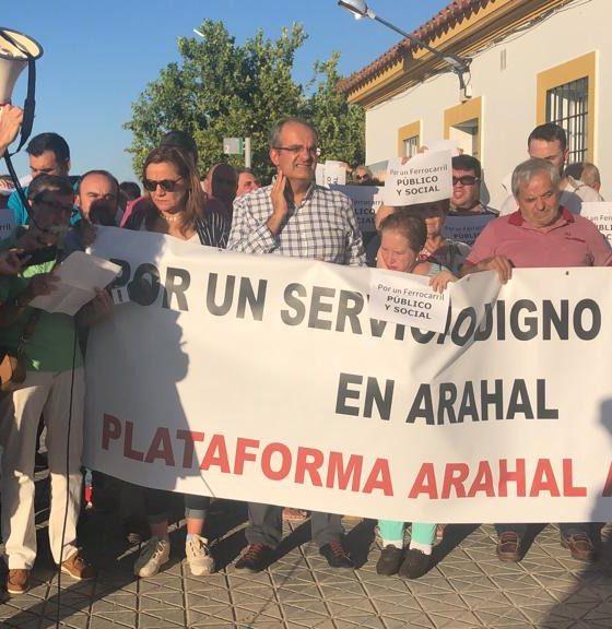 """AionSur tren-manifa-560x576 Cuatro pueblos exigirán a Fomento que """"desbloquee"""" un acuerdo para devolver los servicios ferroviarios a la comarca Arahal Marchena Osuna Sierra Sur"""