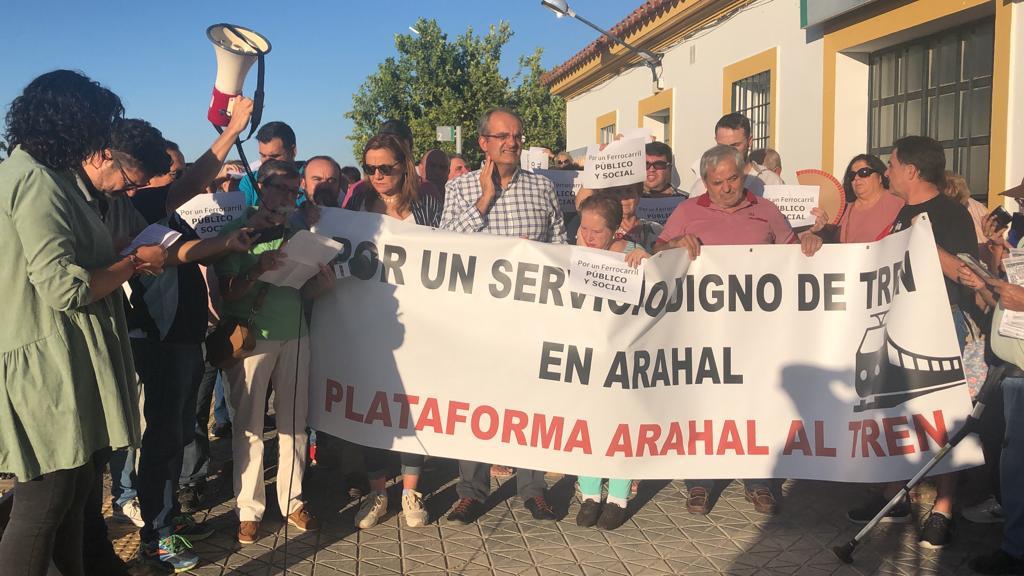 AionSur tren-manifa Adelante pide en Diputación que se rectifique la distribución de trenes Provincia Sociedad